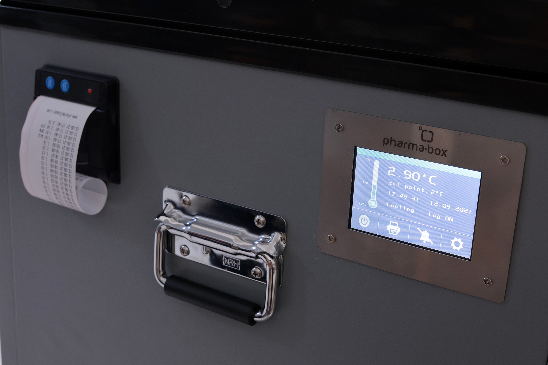 PHARMA-BOX smart thermal containter
